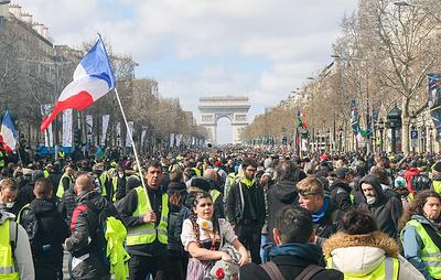 """Во Франции в субботу пройдет 19-й по счету день протестов """"желтых жилетов"""""""