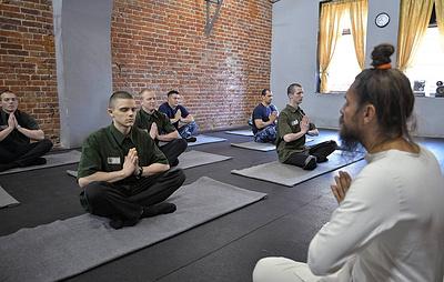 Во ФСИН прокомментировали заявление о том, что йога может привести к смене ориентации