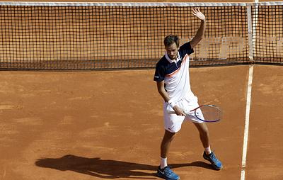 Медведев уступил Лайовичу в полуфинале турнира ATP в Монте-Карло