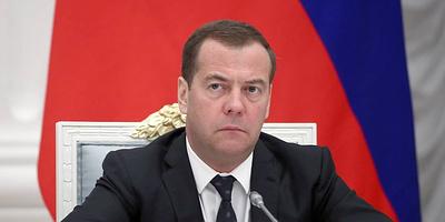 Медведев обсудит с министрами достижение национальных целей в экономике и жилищном секторе
