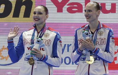 Синхронистки Колесниченко и Ромашина завоевали золото ЧМ в технической программе дуэтов