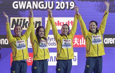 Австралийские пловчихи завоевали золото в эстафете 4х100 м вольным стилем на ЧМ