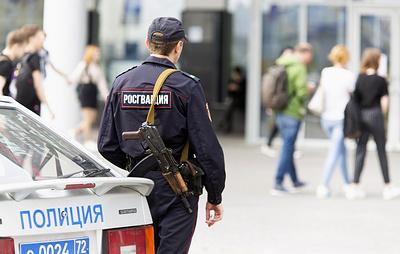 В Тюмени мужчина открыл огонь по сотрудниками Росгвардии, один из них ранен