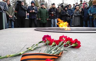 В Новосибирске зажгли Вечный огонь с Могилы неизвестного солдата
