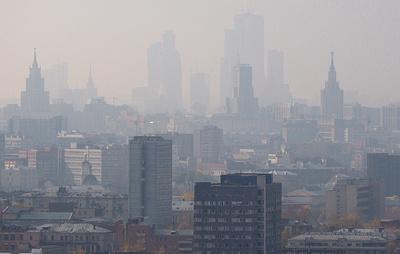 """""""Почувствуй себя жителем Лондона"""". Пользователи соцсетей показали Москву в тумане"""