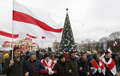 Противники интеграции передали резолюцию в посольство России в Минске