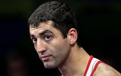 Российский боксер Алоян завоевал золотой титул WBA, победив панамца Батисту в Кемерове