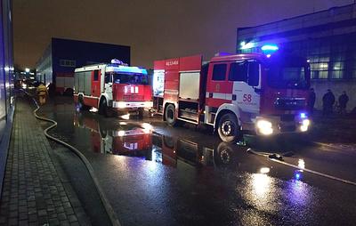 Открытое горение в ангаре в Петербурге ликвидировали