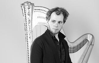 Российский арфист Александр Болдачев дебютирует с сольным концертом в Carnegie Hall