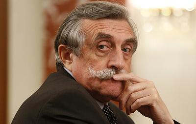 Тринога освобожден от должности главы секретариата председателя правительства