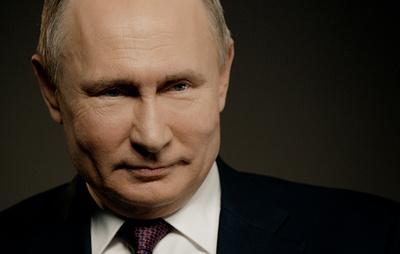 Путин рассказал, что заранее обсуждал с Медведевым отставку его правительства