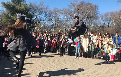 В Центральном парке Манхэттена встретили Масленицу