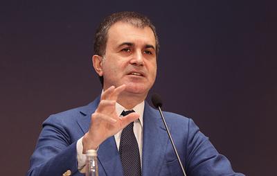 """СМИ: в партии Эрдогана заявили, что Турция назвала сирийские войска """"вражескими целями"""""""