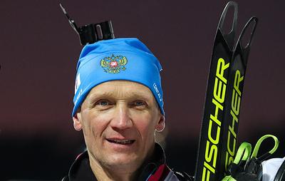 Должность главного тренера сборной России по биатлону может быть упразднена