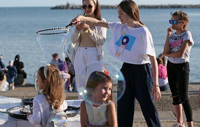 Празднование Международного дня защиты детей началось в самых восточных регионах России