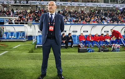 Черчесов: сборная России по футболу в октябре и ноябре может провести по три матча