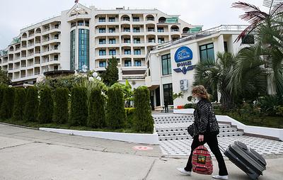 Опрос: треть мечтающих о зарубежном отпуске россиян готовы провести его внутри страны
