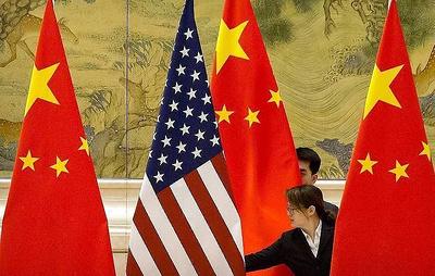 США вводят визовые ограничения в отношении китайских чиновников