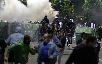 В результате протестов в Белграде пострадали 43 полицейских и 17 демонстрантов