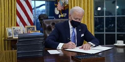 Возвращение США в ВОЗ и Парижское соглашение по климату. Какие указы подписал Байден