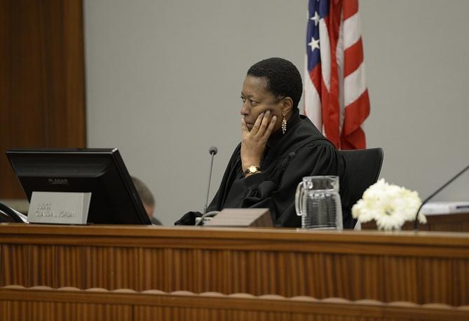 Судья Клаудия Джордан. AP Photo/The Denver Post, RJ Sangosti, Pool