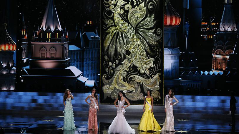 Мисс Эквадор, Мисс Бразилия, Мисс Испания, Мисс Филиппины, Мисс Венесуэла. AP Photo/Pavel Golovkin