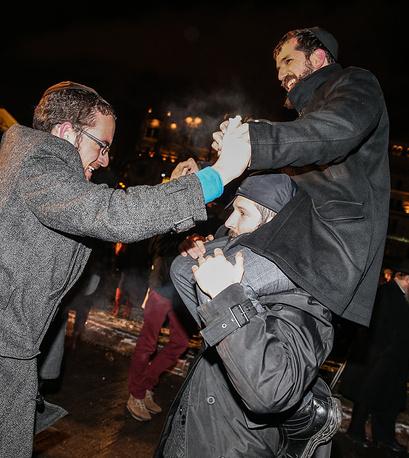 Празднование Хануки на площади Революции в Москве