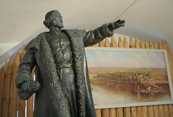 Модель памятника основателю Кургана Тимофею Невежину. Скульптор Ольга Красношеина