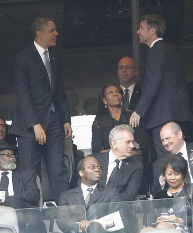 Президент США Барак Обама с супругой Мишель Обамой приветствуют наследного принца Дании Фредерика