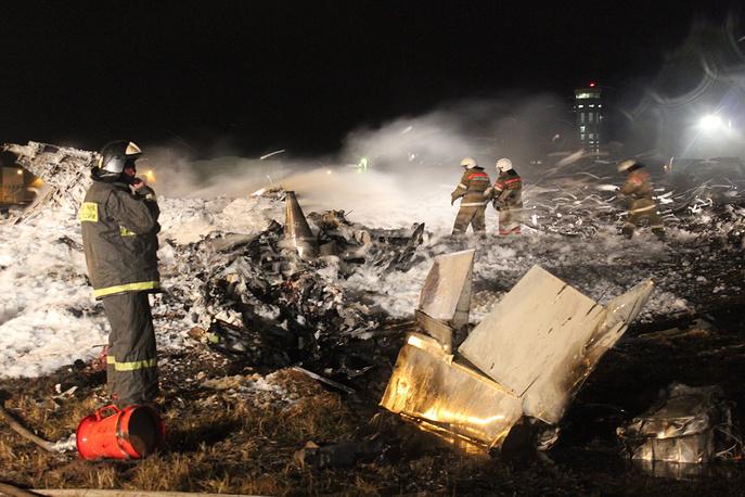 17 ноября в аэропорту Казани при посадке разбился Boeing 737. Погибли все находившиеся на борту 44 пассажира и шесть членов экипажа