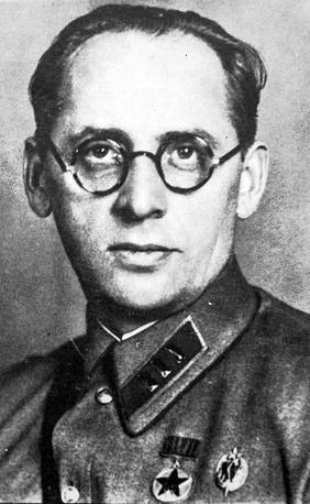 Грушко Евгений Семеныч. В годы войны начальник Управления  милиции  Ленинграда.