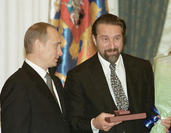 Владимир Путин и Леонид Ярмольник на вручении государственных премий, 2001