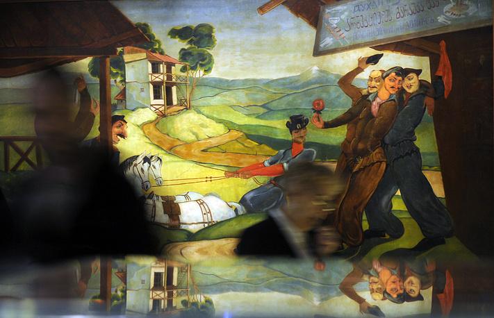 """Картина Ладо Гудиашвили """"Праздник в Грузии"""" на выставке """"Отечество мое - в моей душе..."""""""