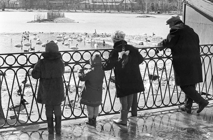 У пруда. 1977 год