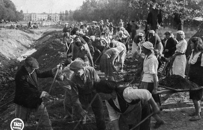 Воскресник по расчистке Верхнего парка, 13 августа 1944 года