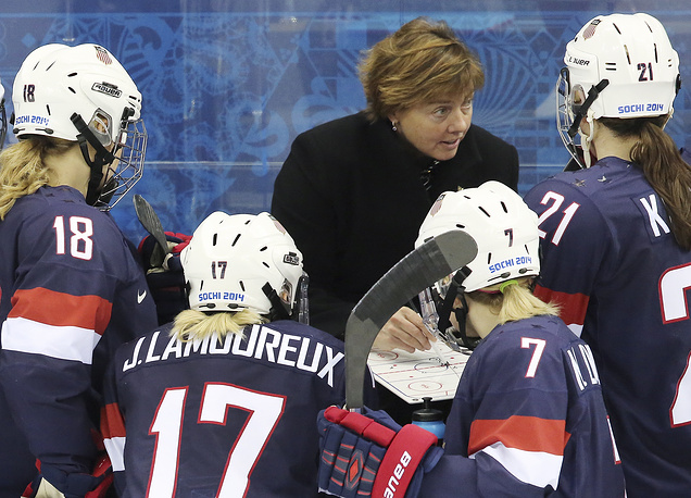 Главный тренер женской хоккейной сборной США Кэти Стоун