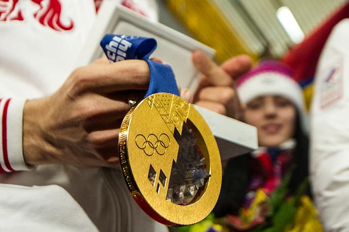 Золотая олимпийская медаль Антона Шипулина