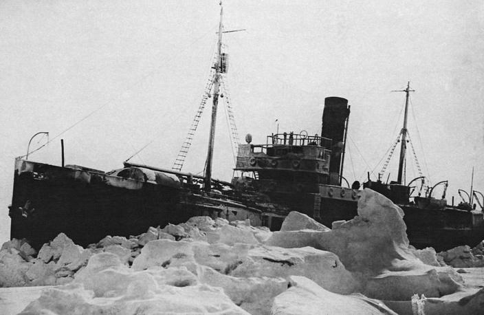 """Ледокол """"Седов"""". 1939 г."""