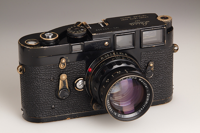 Leica M3 с объективом  Summicron 50 мм/2.0 1960 года принадлежала Анри Картье-Брессону с 1960 по 1968 год