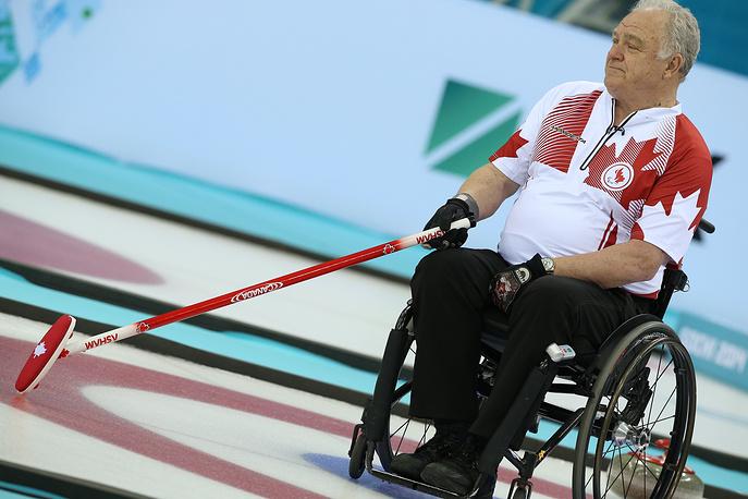 Канадский спортсмен Джим Армстронг