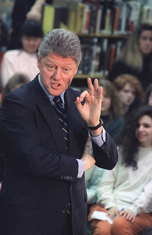 """23 марта 1839 года """"OК"""" появилось на страницах газеты The Boston Morning Post, которая в то время была одним из самых популярных изданий в США. На фото: Билл Клинтон"""