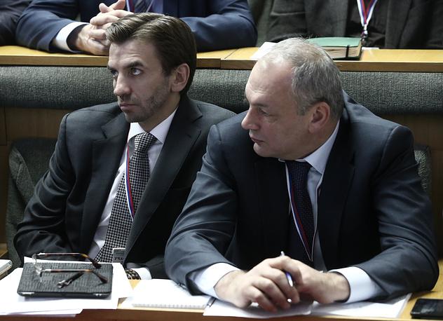 Министр по связи с Открытым правительством Михаил Абызов (слева) и замглавы администрации президента РФ Магомедсалам Магомедов