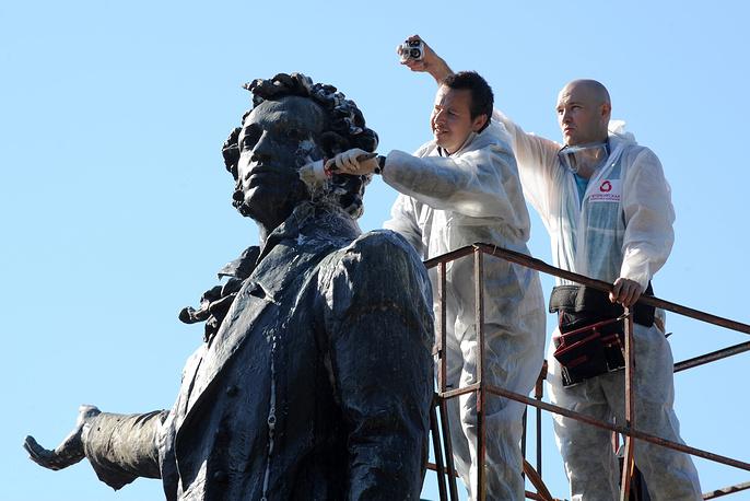 Памятник А.С.Пушкину на Площади искусств в Санкт-Петербурге.