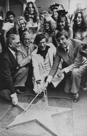 В 1980 году была открыта звезда Хефнера на Аллее Славы в Голливуде