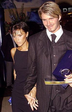 4 июля 1999 года певица вышла замуж за футболиста Дэвида Бекхэма. На фото: Виктория и Дэвид Бекхэм, 1999 год