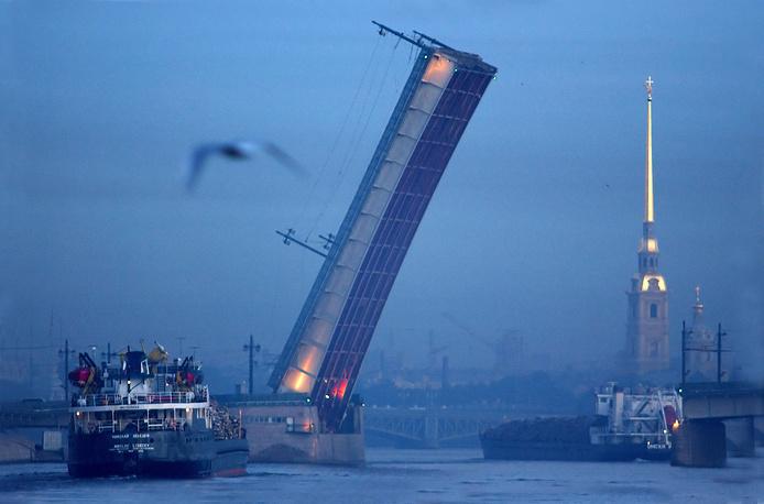 Литейный мост.