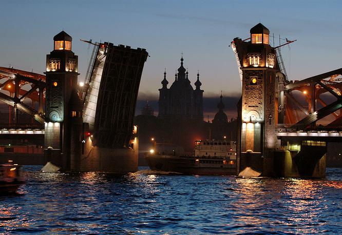 Большеохтинский мост.