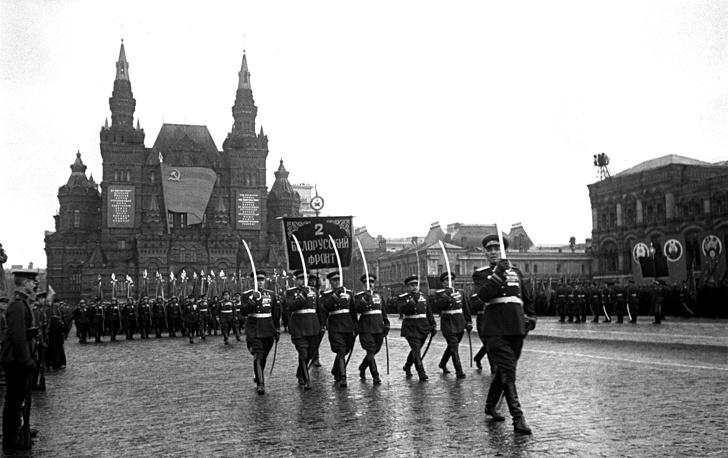 Сводный полк Второго Белорусского фронта на Параде Победы на Красной площади в Москве, 24 июня