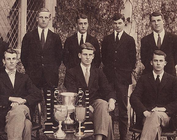 Ученики колледжа Lancing, Великобритания, 1920е годы