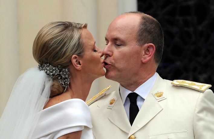 Гражданская церемония бракосочетания состоялась 1 июля 2011 года, а венчание прошло 2 июля